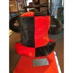 hut-schwarz-rot-mit-hoerner-clown-3414232-1.jpg