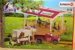 schleich-horse-club-reitschule-mit-pick-up-und-pferdeanhaenger-42403-5710126-1.jpg