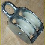 blockseilrolle-aus-zinkdruckguss-verzinkt-incl-2-nylon-rollen-50-mm-2367963-1.jpg
